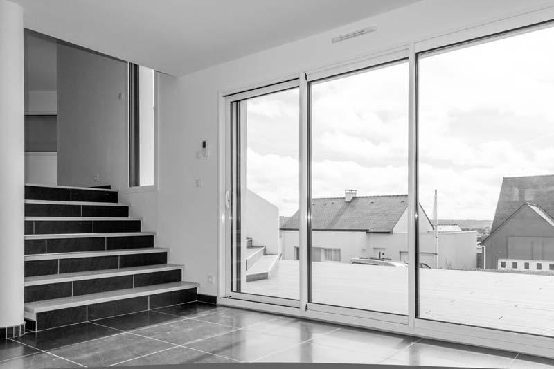 escaliers constructeur de maison haut de gamme finistere et morbihan. Black Bedroom Furniture Sets. Home Design Ideas