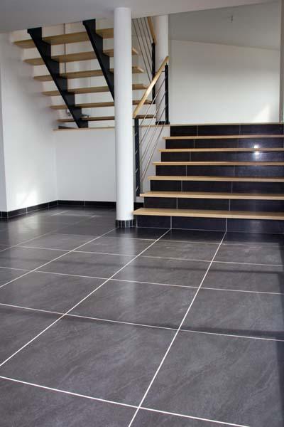 id es escaliers constructeur de maison haut de gamme. Black Bedroom Furniture Sets. Home Design Ideas