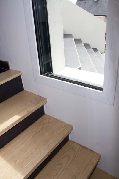 aujourd 39 hui l 39 escalier d passe son simple aspect fonctionnel et devient un l ment majeur de l. Black Bedroom Furniture Sets. Home Design Ideas